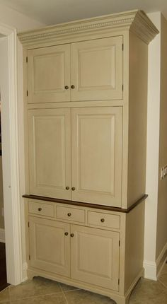 pantry to replace the current useless built in desk. Love the drawer in the middle. Love David T Smith!!!! - Workshops of David T. Smith - Custom Kitchens - Country French