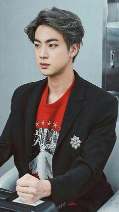 Jin looks so serious 🤓 Seokjin, Kim Namjoon, Hoseok, Jimin, Bts Bangtan Boy, Jhope, Foto Bts, Bts Photo, K Pop