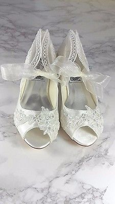 WOMENS NEW IVORY SEQUINED LACE PEEP TOE LOW HEEL SHOES BRIDAL WEDDING ANY SIZE
