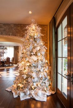 Interior Design Ideas: Christmas Decorating Ideas   LOVE This Tree U0026 The  Colours!