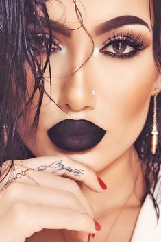 How To Wear Black Lipstick And Not Look Like A Goth Post Soft Eyes with Bold Lips Makeup Looks picture 1 See more: Black Lipstick Makeup, Bold Lip Makeup, Lipstick For Dark Skin, Lipstick Colors, Beauty Makeup, Eye Makeup, Hair Makeup, Hair Beauty, Lipstick Brush