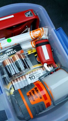 Power Outage Kit - How to Choose the Essentials To Create Your Own Power Outage Essentials - Power Outage Kit - How to Choose the Essentials & Power it with Duracell