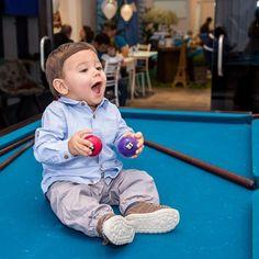 @ipecaramelo Bruno mostrando o jeito certo de jogar sinuca! 😄🎱 #aniversario #aniversarioinfantil #aniversário #niver #parabens #parabéns #felizaniversario #diadefesta #festinha #umano #criancas #crianca #menino #fotografiacomamor #bebê