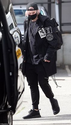 Men in black! band mates Michael Clifford (pictured) and Luke Hemmings sport edgy ensembles as they jet into Perth ahead of concert 5sos Michael Clifford, Mikey Clifford, Pop Punk, 5 Seconds Of Summer, 10 Seconds, Ashton Irwin, 5 Sos, Calum Hood, Jet Black Heart