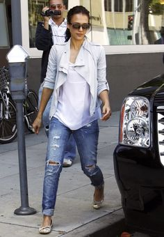Love Jessica Alba's effortless street style