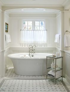 The tub is a Bain, Ultra Balneo Sanos. The name BALNEO describes the art of bathing, embodying the rituals that help ease the tumult of modern living. With its