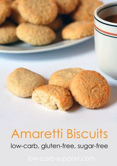 Low-carb amaretti biscuits, sugar-free, gluten-free