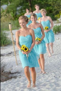 Bridemaids on the beach | wedding ideas | wedding inspiration | wedfine.com | wedding venues in Mumbai |
