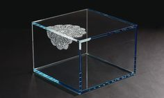"3/4"" STARFIRE SIDE TABLE WITH GLASS CUBE AND SANDBLASTED DOILY"