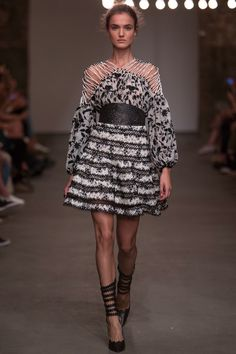 Zimmermann Spring 2016 Ready-to-Wear Fashion Show Collection