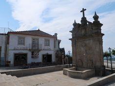 Aldeia de Provesende -Douro © Viaje Comigo Douro Portugal, Mansions, House Styles, Home Decor, Sidewalk, Traditional, Traveling, Decoration Home, Manor Houses