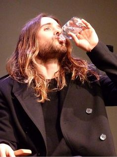 Water does Jared Leto's body good! :)