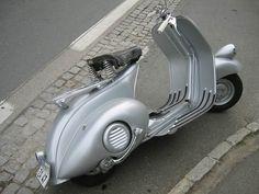 vespa 98 1946.Classic Car Art&Design @classic_car_art #ClassicCarArtDesign