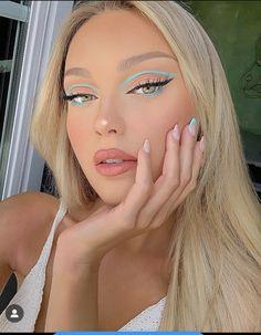 Edgy Makeup, Makeup Eye Looks, Eye Makeup Art, Colorful Eye Makeup, Crazy Makeup, Cute Makeup, Pretty Makeup, Skin Makeup, Exotic Makeup
