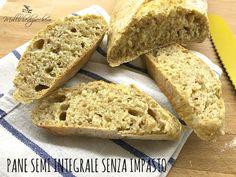 Chi mi conosce da un po' sa che amo il pane senza impasto e questa pagnotta è l'ultima nata in casa Mollichedizucchero :) Giorni fa ho acquistato della farina integrale ed ho provato a realizzare questo pane