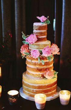 Wedding cake idea; Featured Photographer: Pat Furey Photography  www.foreverly.de