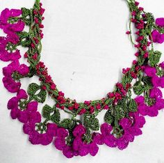 Tig Heat Jewelry Models - Jewelry World Crochet Jewelry Patterns, Crochet Accessories, Handmade Accessories, Crochet Motif, Crochet Flowers, Fabric Jewelry, Beaded Jewelry, Jewelry Model, Crochet Videos
