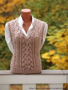 Cable Knitting, Sweater Knitting Patterns, Knitting Designs, Knit Patterns, Crochet Vest Pattern, Knit Crochet, Pull Torsadé, Mode Vintage, Crochet Clothes