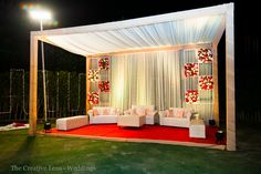 New ideas wedding reception flowers draping Reception Stage Decor, Wedding Stage Backdrop, Wedding Reception Flowers, Wedding Stage Decorations, Wedding Mandap, Backdrop Decorations, Event Decor, Flower Decorations, Wedding Mehndi