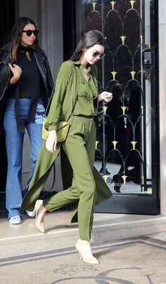 gucci sunglasses that look like ray bans  kendall jenner in total green outfit and ray ban #aviator #sunglasses http: