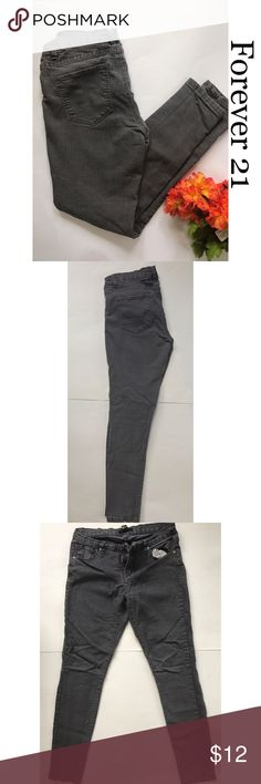 Forever 21 women skinny jean- U.S. size 28 Women gray skinny jeans. Size 28. No rips or stains. Non smoking home Forever 21 Jeans Skinny