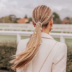 Can't get enough of this epic headpiece I styled on - pearls and chains - custom made by my close work associate… Pretty Hairstyles, Wedding Hairstyles, Wavy Hairstyles, Summer Hairstyles, Saree Hairstyles, Bandana Hairstyles, Elegant Hairstyles, Straight Hairstyles, Hair Inspo
