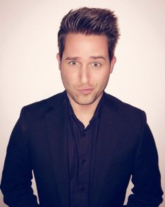 Joshua David Evans is a comedic Youtuber. He is talented in dancing and singing and he has a very kind heart :)