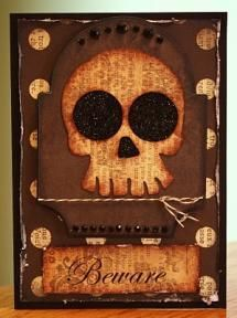 Create a Halloween greeting card for your friends or to invite them to an intimate Halloween party!
