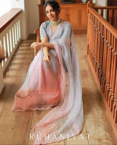 Feeling feather light looking at this gorgeous ombre organza saree. Saree by Oh btw, remember yesterday's red… Indian Fashion Dresses, Indian Designer Outfits, India Fashion, Women's Fashion, Modern Saree, Sari Dress, Sari Blouse, Organza Saree, Silk Sarees