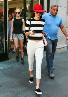 Kendall Jenner in Kendall Jenner & Hailey Baldwin Go Shopping In NYC