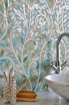 One of my all time favorite mosaic tiles. I also have of pic in a similar one in White. Ohhhhh SO purrrttyyy!