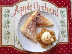 Das perfekte Apfeltaschen im Sandwichmaker-Rezept mit Bild und einfacher Schritt-für-Schritt-Anleitung: Die Äpfel schälen und in Stücke schneiden. Die…