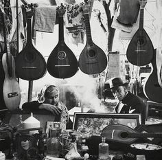 Market of Portugal in the Pics by Eduardo Gageiro. Santiago Do Cacem, Willy Ronis, Portuguese Culture, We Are The World, Vintage Photography, Street Photography, Art Photography, Old Photos, Black And White Photography