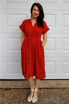 Have you made a Fringe Dress yet? Customize it with a super simple hack: a full button front! Sundress Pattern, Dress Sewing Patterns, Sewing Ideas, Sewing Projects, Feeding Dresses, Rajputi Dress, Button Front Dress, Fringe Dress, Knit Dress