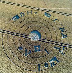 Este Crop Circle fue reportado el 20 de julio de 2016, apareció en Burderop Down, Nr Barbury Castle, Wiltshire, Reino Unido