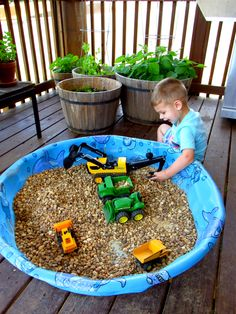 Looking for some inexpensive ways to keep your kids busy this summer? This DIY Construction Play Area can be easily created with items you probably already have around the house and provides hours of independent play! Kids Outdoor Play, Outdoor Play Spaces, Backyard For Kids, Outdoor Fun, Toddler Play Area, Children's Play Area, Play Area Outside, Toddler Bed, Backyard Playground