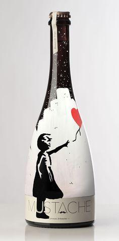 Botella de Cerveza THE BEATLES pintada a mano por Dokidoki Planet. De venta en dokidokiplanet.com