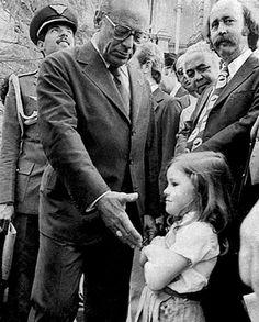 Garotinha se recusa a apertar a mão do presidente João Baptista Figueiredo durante Ditadura Militar.