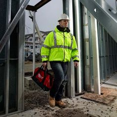 The M12™ Cordless High Visibility Heated Jacket 2347 is ANSI Class III certified to meet or exceed jobsite and roadside construction standards to ensure user safety. Available in sizes S-3X.