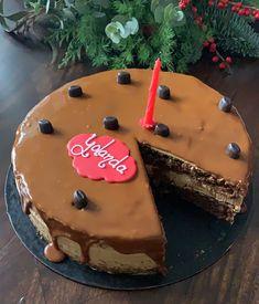 tarta de café con avellana y moka Cupcakes, Desserts, Food, Dessert Buffet, Fondant Cakes, Lolly Cake, Homemade Recipe, Sweet And Saltines, Candy Stations