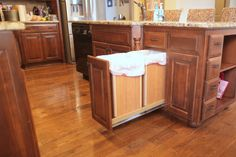 diy pull out trash and recyling bin, diy, kitchen design, storage ideas, woodworking projects Pull Out Kitchen Cabinet, Trash Can Cabinet, Cabinet Space, Cabinet Drawers, Layout Design, Design Ideas, Diy Kitchen Island, Kitchen Ideas, Stock Cabinets