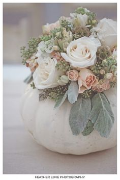 Fall Wedding Centerpiece || Bunch Studio featured on Blissique. Feather Love Photography