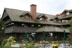 Von Trapp Lodge, Stowe Vermont This is a simple and lovely place!