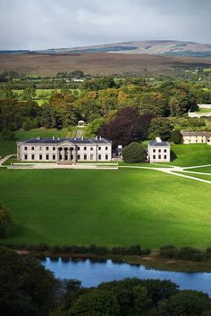 5 Star luxury country house hotel in the heart of Ireland. Set at the foot of the Slieve Bloom Mountains in the centre of Ireland, Ballyfin is a place of history and romance, of tranquility and great natural beauty.