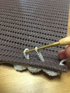 【追記あり】ダイソーの素材だけで、ぷくぷくふわふわのマットを作ろう!命名!「キトーズぽこぽこマット」|LIMIA (リミア)