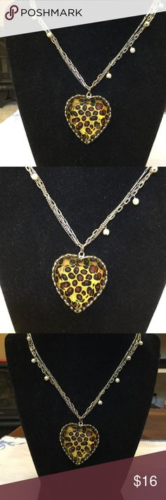 """Betsey Johnson necklace Great condition..measures 11"""" drop..necklace is marked Betsey Johnson Jewelry Necklaces"""