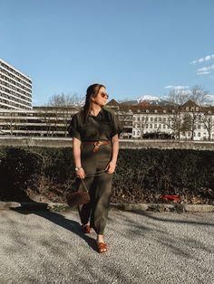 #aninazynp #fbloggers #fashionblogger #styleblogger #ontheblog #linkinprofile #lifestyleblog #blogger_de #germanblogger #germanblog #bloggerin #lifestyleblogger #diyblog #bloggerstyle #revolveme #madewell #styleguide #carmushka #germanbloggergirls #inspojunkie #dailyinspo #newblogposts #newblog #modeblogger #prettylittleinspo #outfitdestages #ootdgermany Outfit Des Tages, Madewell, Jumpsuit, Fashion Outfits, Photo And Video, Instagram, Overalls, Fashion Suits, Jumpsuits