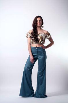 Bell bottoms flare pants bell bottoms suede by LeMoutonBleuShop Wide Pants, Wide Leg Jeans, 70s Women Fashion, Girl Fashion, Bell Bottom Pants, Bell Bottoms, My Jeans, Denim Jeans, Denim Flares