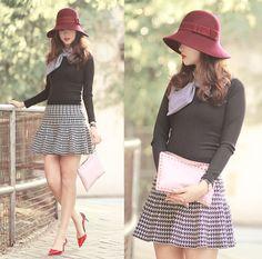 Tie Rack Burgundy Cloche Hat, Choies Bow Top, Valentino Rockstud Clutch, Romwe Houndstooth Skirt, Valentino Scalloped Heels