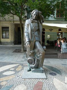 Statue of Hans Christian Andersen in Bratislava, Slovakia Bronze Sculpture, Sculpture Art, Alexander Calder, Bratislava Slovakia, Europe Holidays, Heart Of Europe, Central Europe, Land Art, Eastern Europe